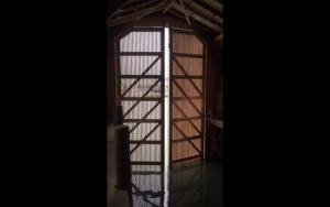 Arbon, Switzerland – DAAB swing operator for heavy gates – installation by Metter Tore, St. Gallen
